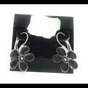 Lola earrings (case 1)